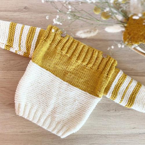 Pull Duo-Col bateau à rayures jaune moutarde et crème tricoté à la main en laine mérinos-Boutons coco-France-Mignonnery