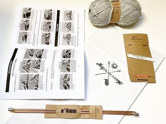 Composition Kit tricot débutant Mignonnery -explications en photos, aiguilles à tricoter, accessoires et laine mérinos