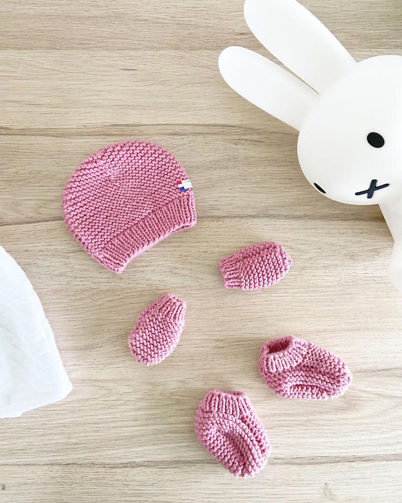 Kit à tricoter -Essentiel naissance Bois de Rose-Bonnet, Moufles et chaussons en laine-Layette by Mignonnery
