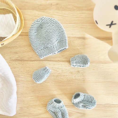 Kit à tricoter -Essentiel naissance bleu orage-Bonnet, Moufles et chaussons en laine-Layette by Mignonnery
