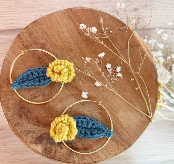 Boucles d'oreille Rosie-Créole 50 mm Jaune moutarde et feuille 2-Mignonnery