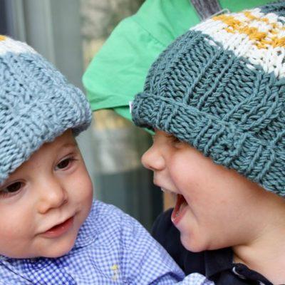 Frères avec nos bonnets flocons enfant -Mignonnery